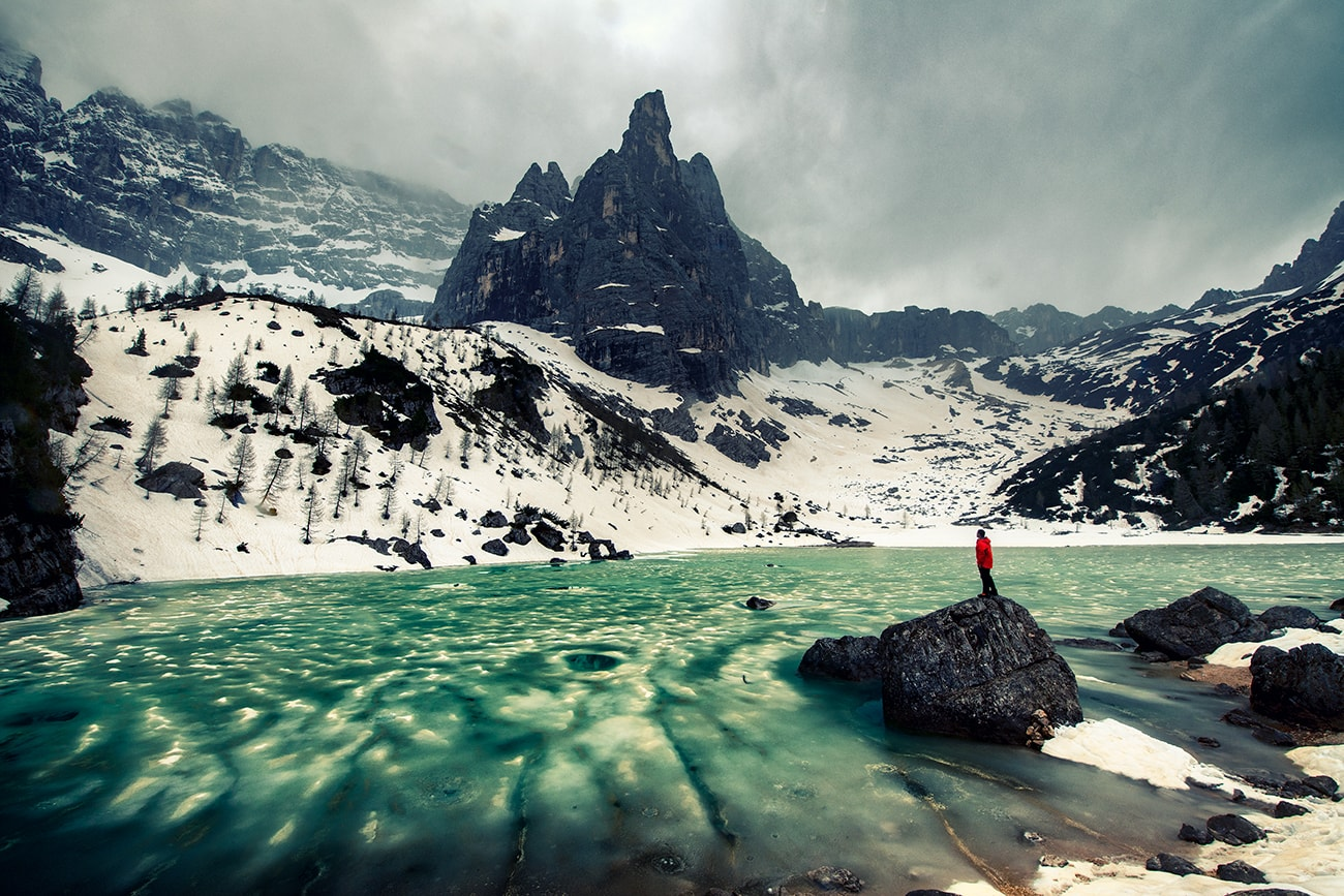 Hiking to Lago di Sorapiss,Best Day Hike in the Dolomites