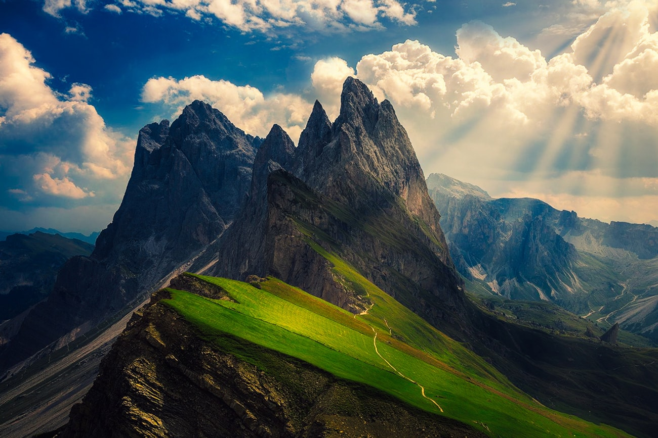 From the Seceda summit you can enjoy a wonderful view of the Dolomites and of all the mountains in South Tyrol - from Ortles to Großglockner (Austria).