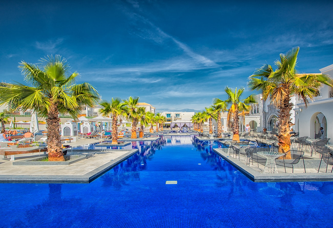 the amazing pool at anemos hotel in crete
